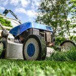 Ilustračné foto: kosačka na trávniku, pixabay.com